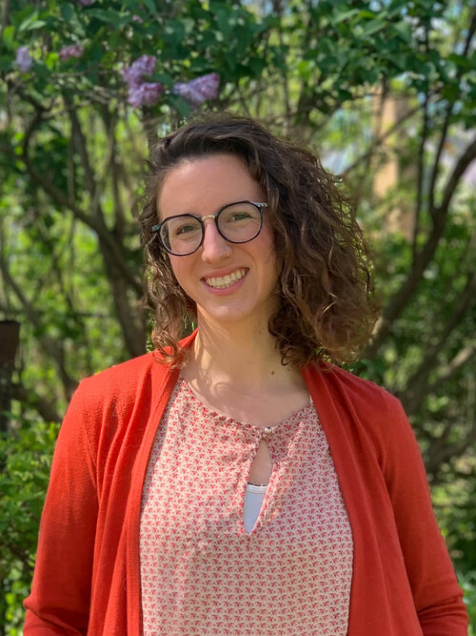 Megan Wakefield of Walking Wild Herbs